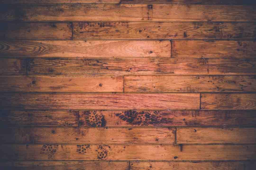 Comment laver un parquet en bois stratifié ?