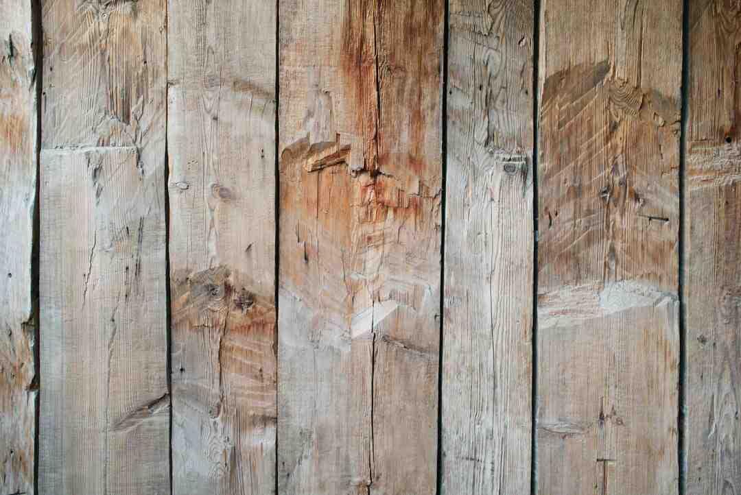 Comment nettoyer un parquet en bois massif