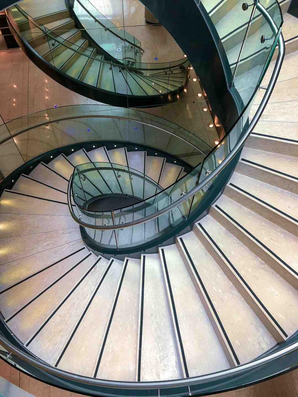 Comment nettoyer escalier en bois