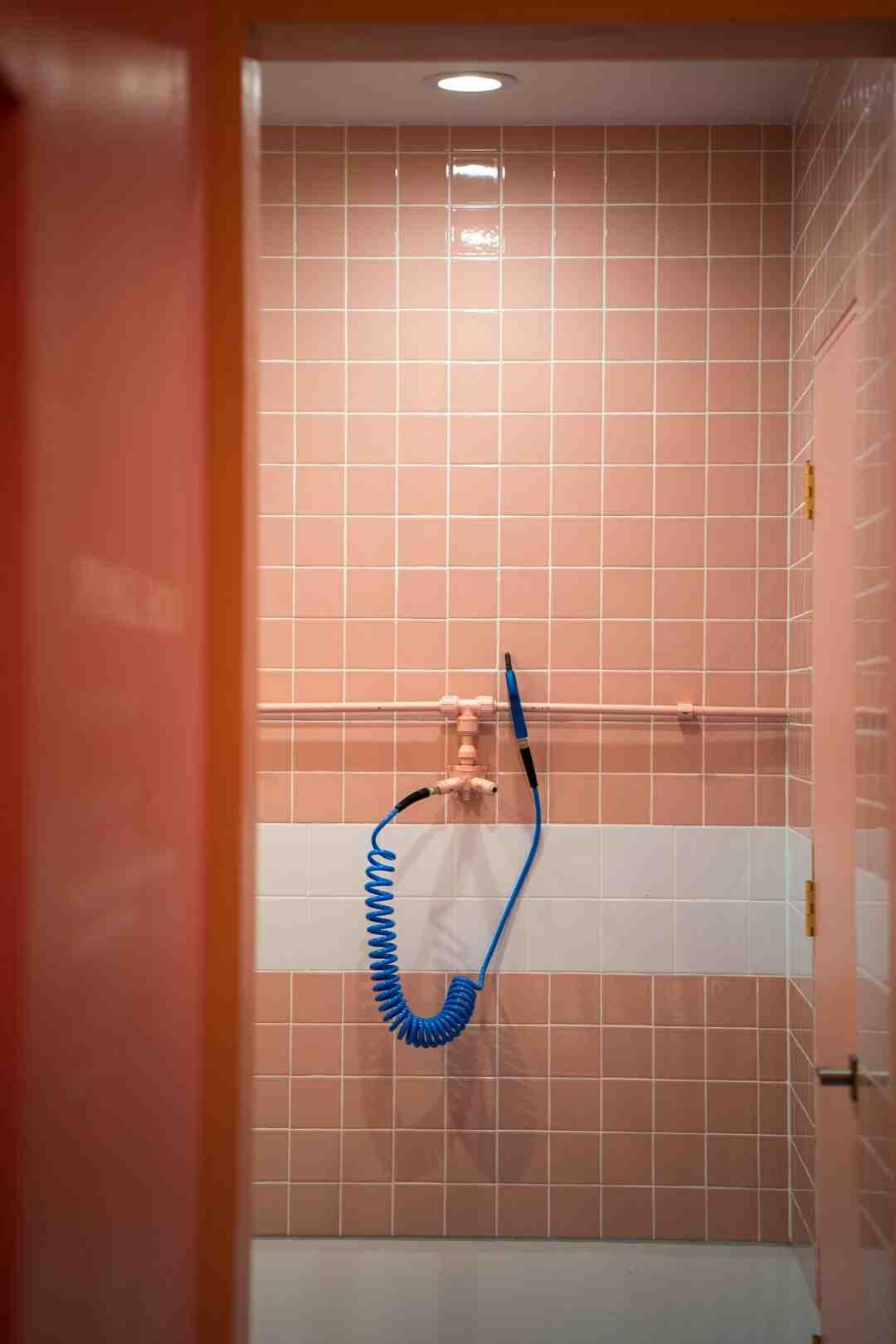 Comment nettoyer les carreaux d'une salle de bain
